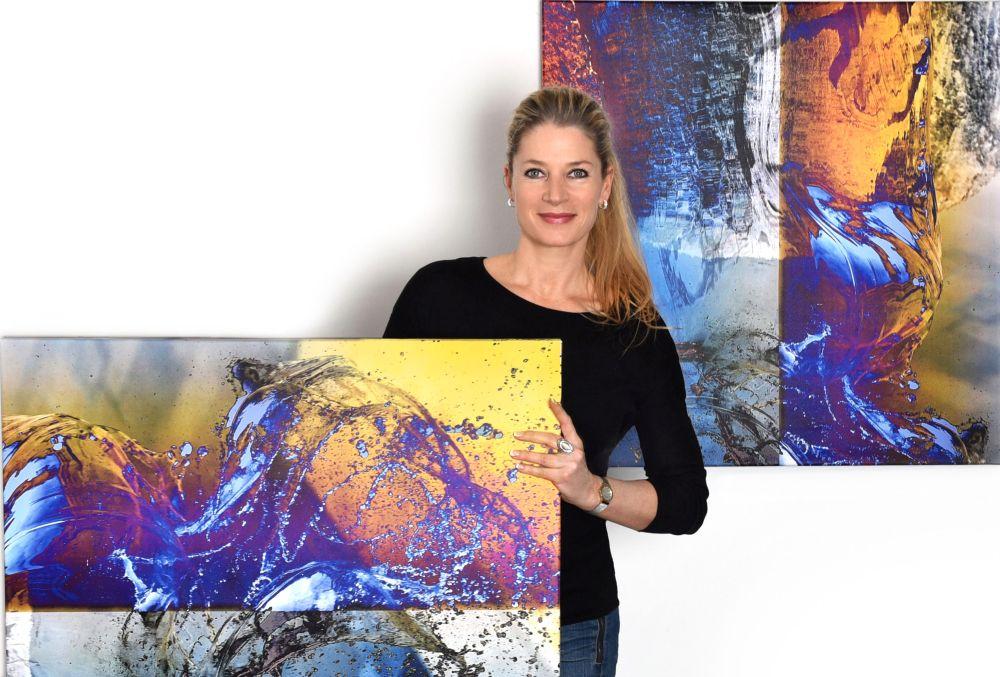 Jutta Pielenz, gestaltet großformatige abstrakte Wandbilder im XXL Format zur Raumgestaltung in limitierter Auflage